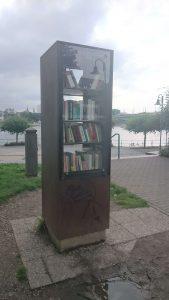 Bücherschrank - Bonn Beuel Rheinufer