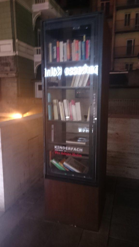 Bücherschrank Bonn - Innenstadt, Budapester Straße,
