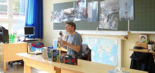 Chritoph Dittert bei der Drei Fragezeichen Lesung in der Grundschule Wassenach