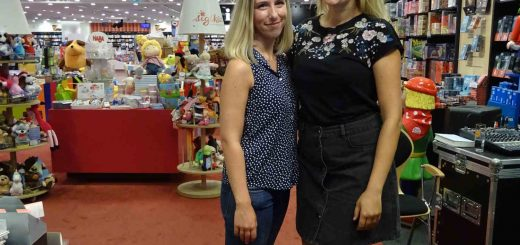 Ava Reed (links) und Nina MacKay (rechts)