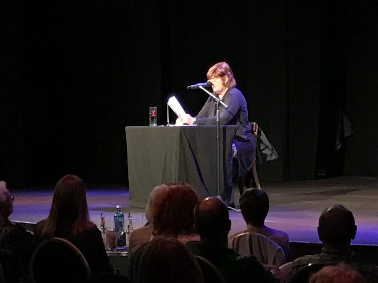 Christine Westermann auf der Benefizlesung im Pantheon - Foto: Ute Schulze