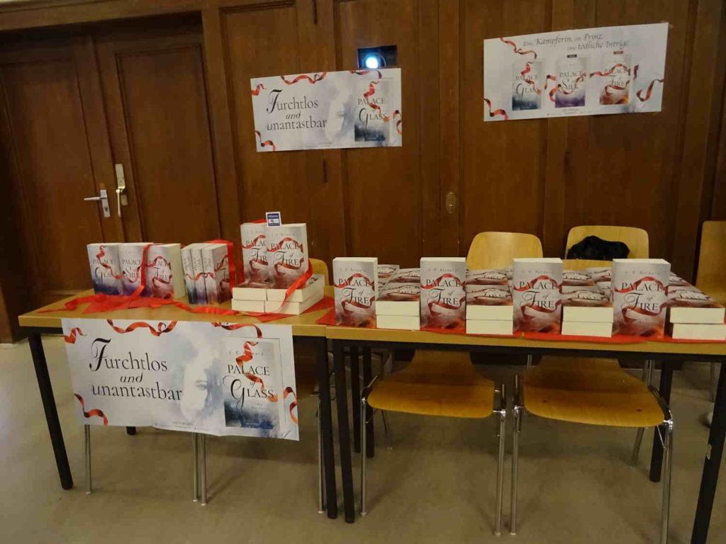 Büchertisch von Witsch & Behrendt Bonn