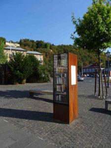 Bücherschrank auf dem Kapuzinerplatz in Ehrenbreitstein (Koblenz)