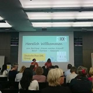 "Johanna Nolte eröffnet das Barcamp ""Frauen machen Zukunft"" im Post Tower Bonn"