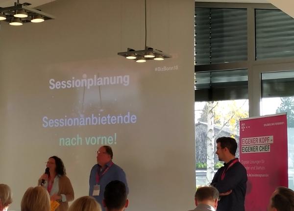 Georgia Gaitazi und Volker Schmidt pitchen für Agile Führung #BizBonn18