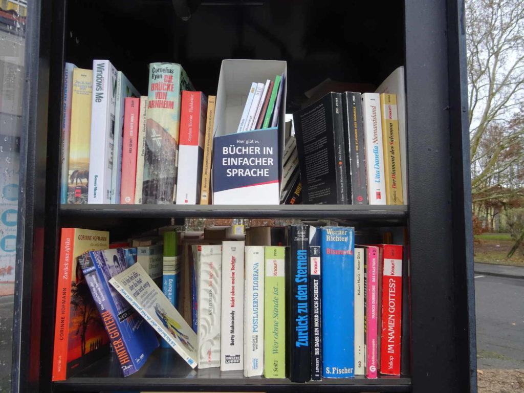 """""""Meine"""" Buchbox #liebeslesen im öffentlichen Bücherschrank"""