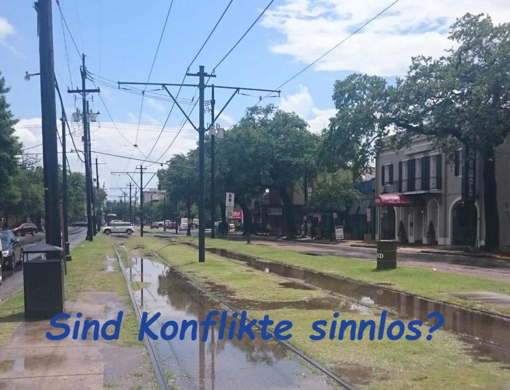 New Orleans, kurz nach einem starken Regenschauer, Sonne und Pfützen