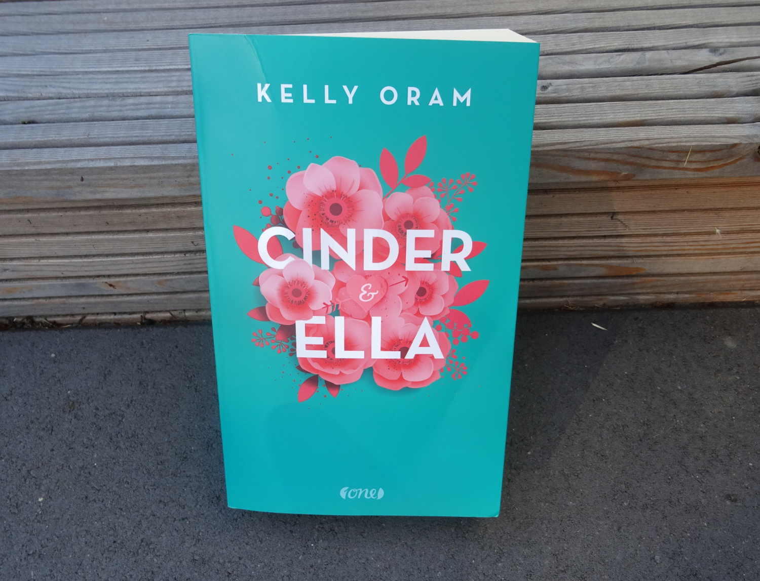 Cinder & Ella ~ Kelly Oram