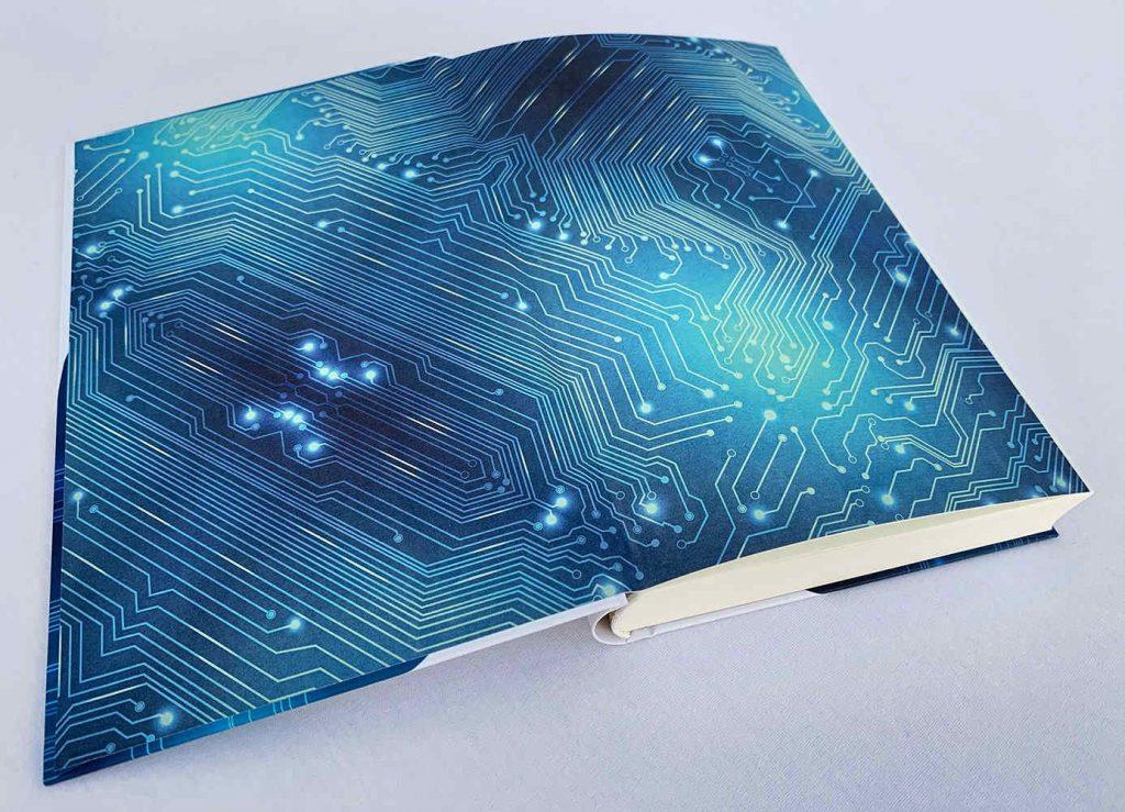 Kryonium - aufgeschlagenes Buch (c) Matthias Zimmermann