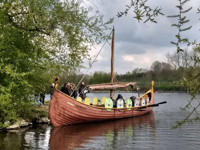 Wikingerschiff, Mira Valentin & ihre Crew (c) privat