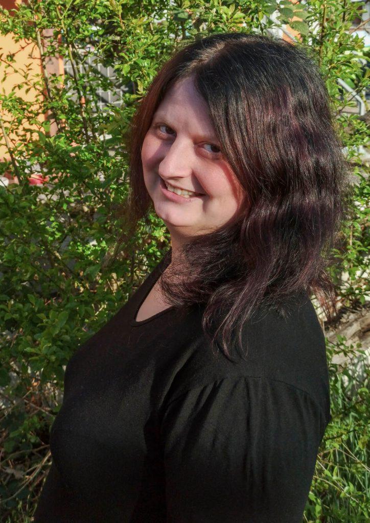 Sabrina Schuh (c)