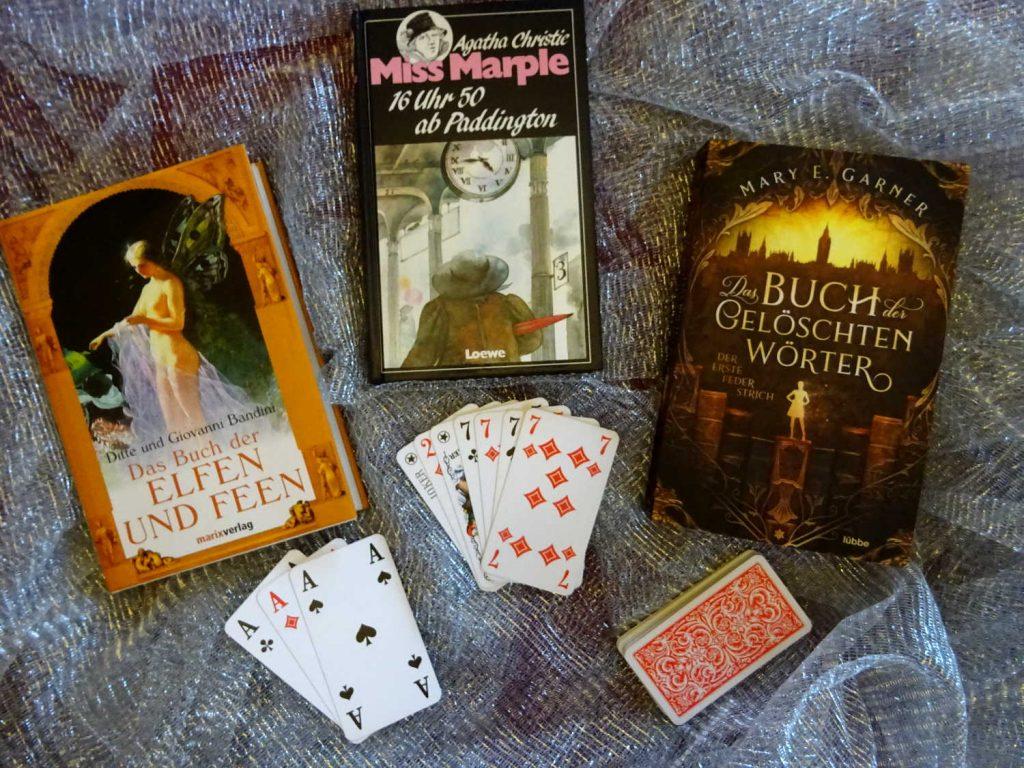 Spielkarten und 3 Bücher: Das große Buch der Elfen und Feen; Miss Marple; Das Buch der gelöschten Wörter
