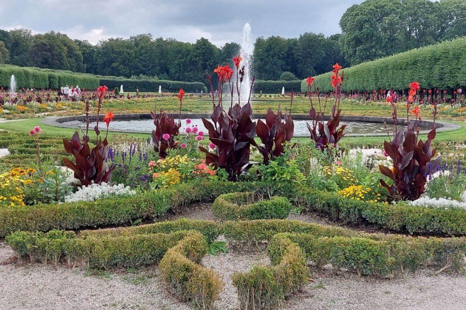 Brühler Schlosspark, Blumen & Springbrunnen